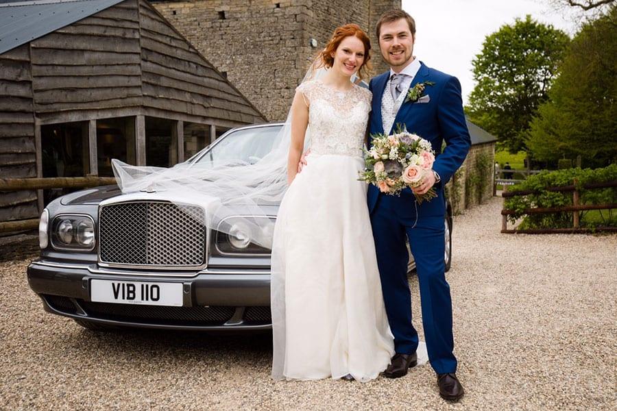 Weddings-in-one-location-wedding-cars