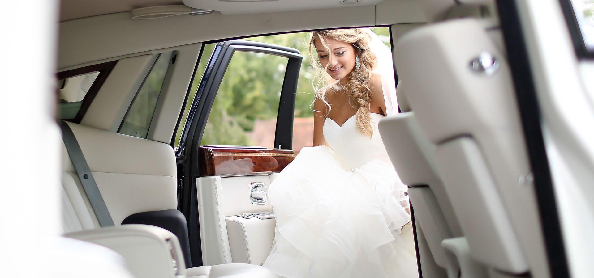 Rolls-Royce-Phantom-Wedding-Car-White-Bride-Entering