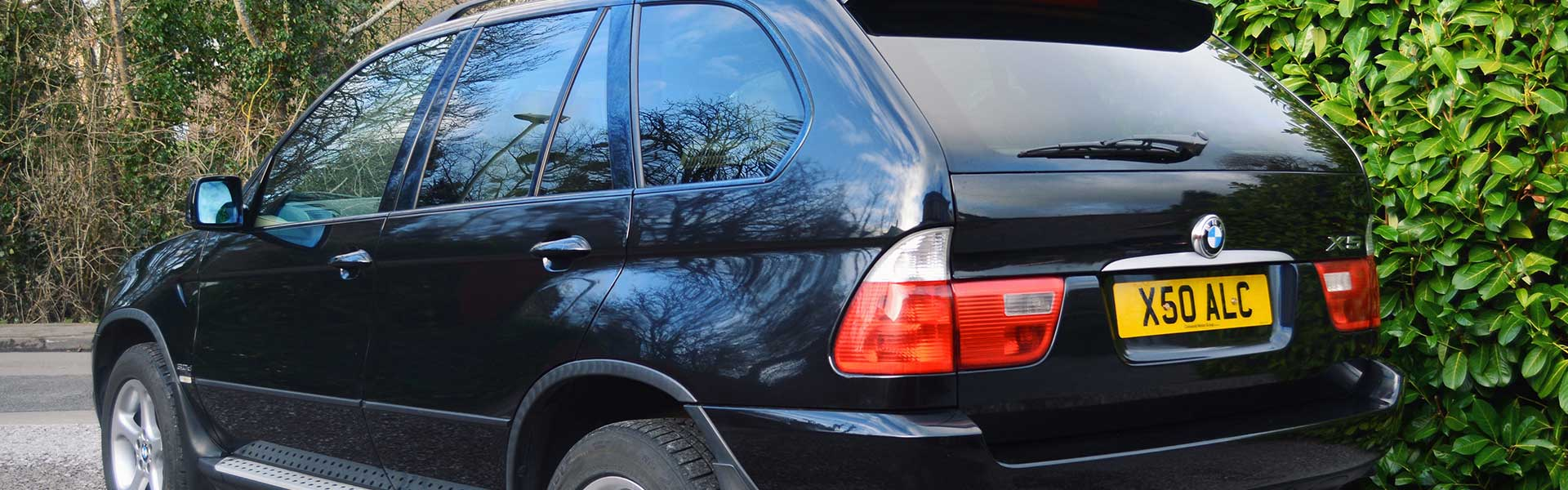 BMW-X5-Hero-1920×600-3